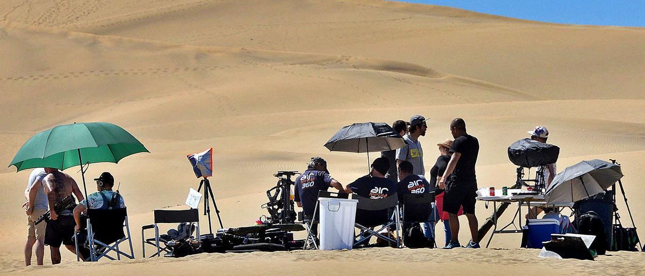 Imagen de archivo de un rodaje en las dunas de Maspalomas.   SANTI BLANCO