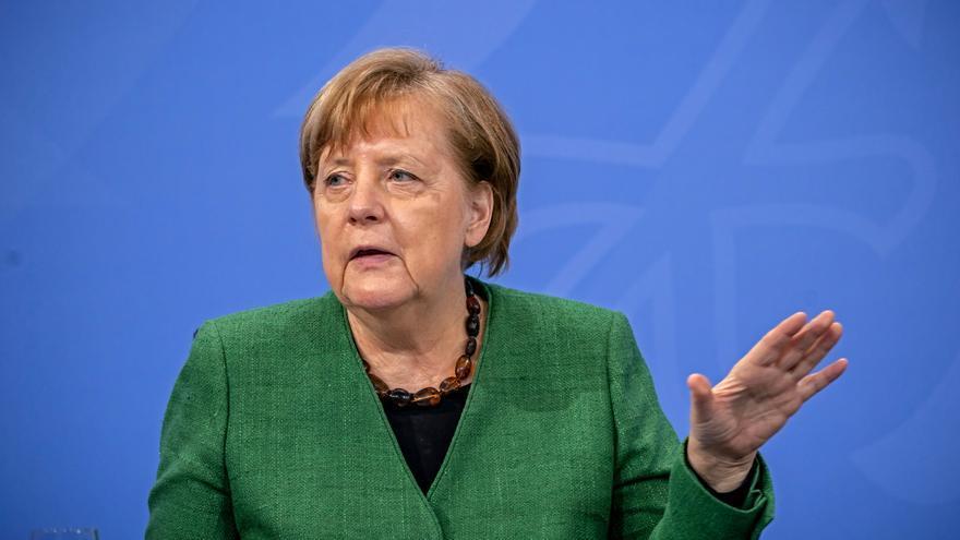 Merkel modificará una ley para centralizar las restricciones en la pandemia