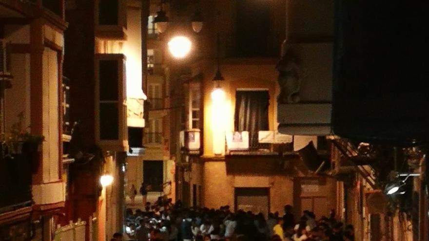 Reuniones de hasta 150 personas en las calles de Cartagena esta madrugada
