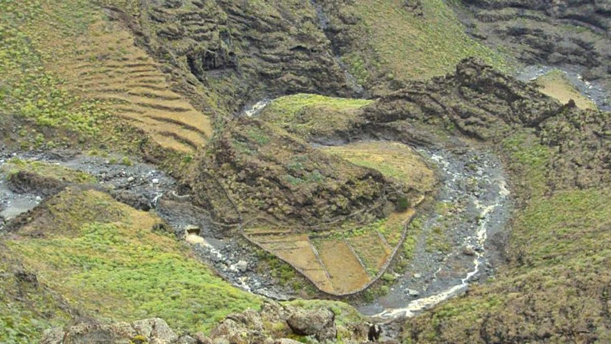 Vista área de una zona de barrancos de La Gomera.