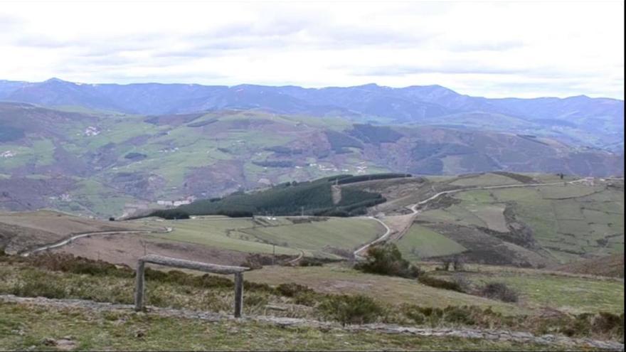 Cangas del Narcea financia la reparación del tramo de vía hacia el alto del Acebo