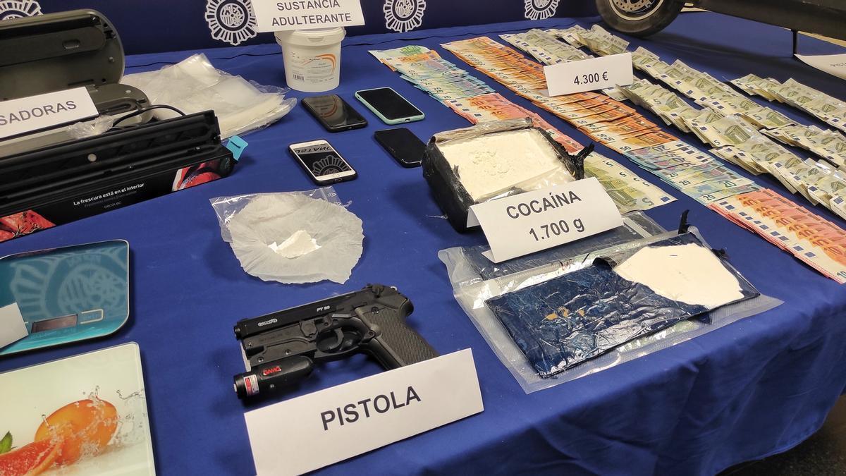 Los objetos incautados por la Policía Nacional.