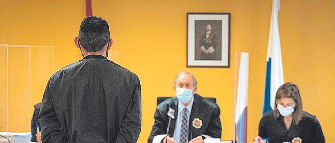 El acusado, de 45 años, ante magistrados de la Sección II.