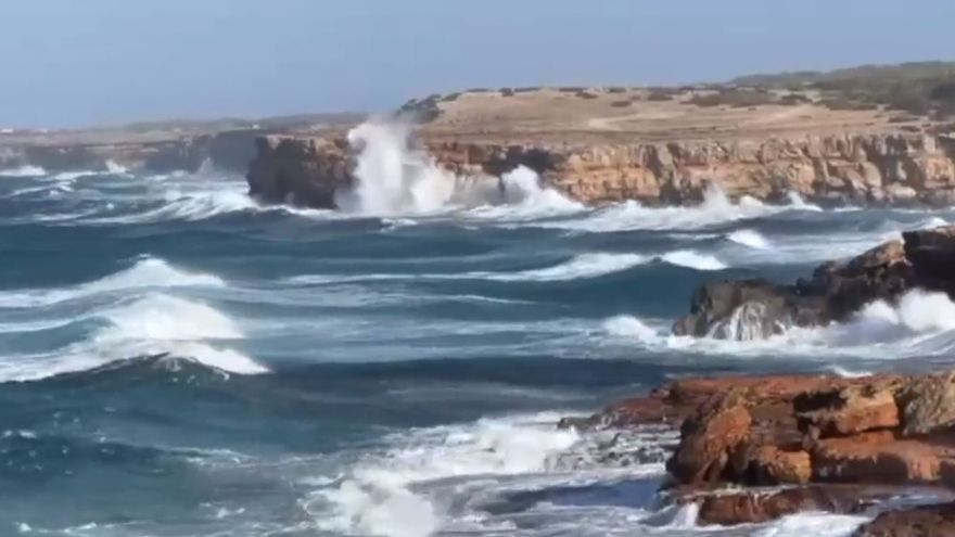 Los puertos de Formentera Y Ciutadella, cerrados por el temporal