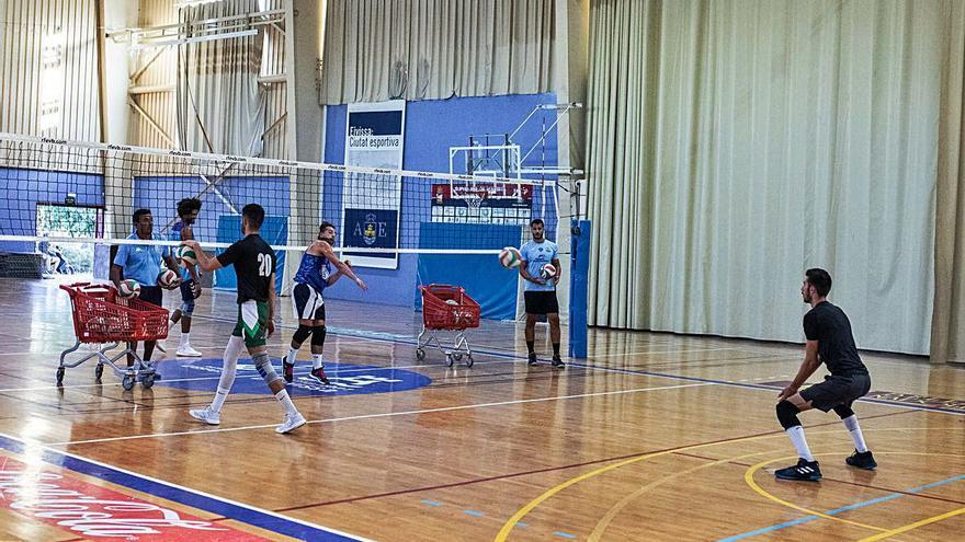 La UD Ibiza-Ushuaïa Volley arranca con el regreso de Oliveira