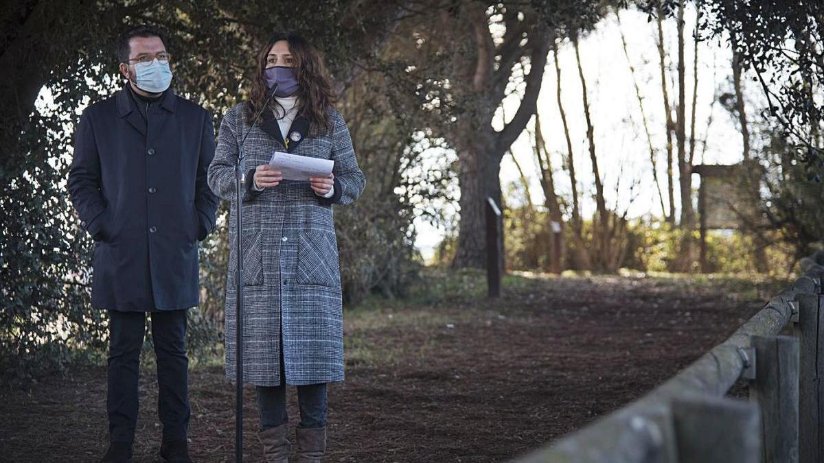 Pere Aragonès i Laura Vilagrà, ahir als aiguamolls de la Bòbila de Santpedor