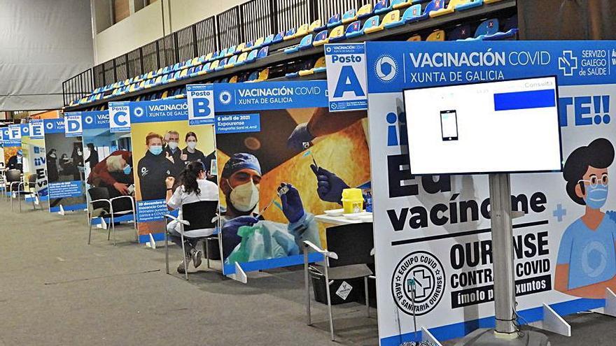 La pauta completa de la vacuna ya alcanza a más del 90% de la población en cuarenta concellos