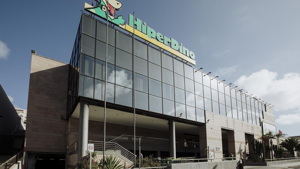 Fachada de las oficinas centrales de Hiperdino en Las Palmas de GC