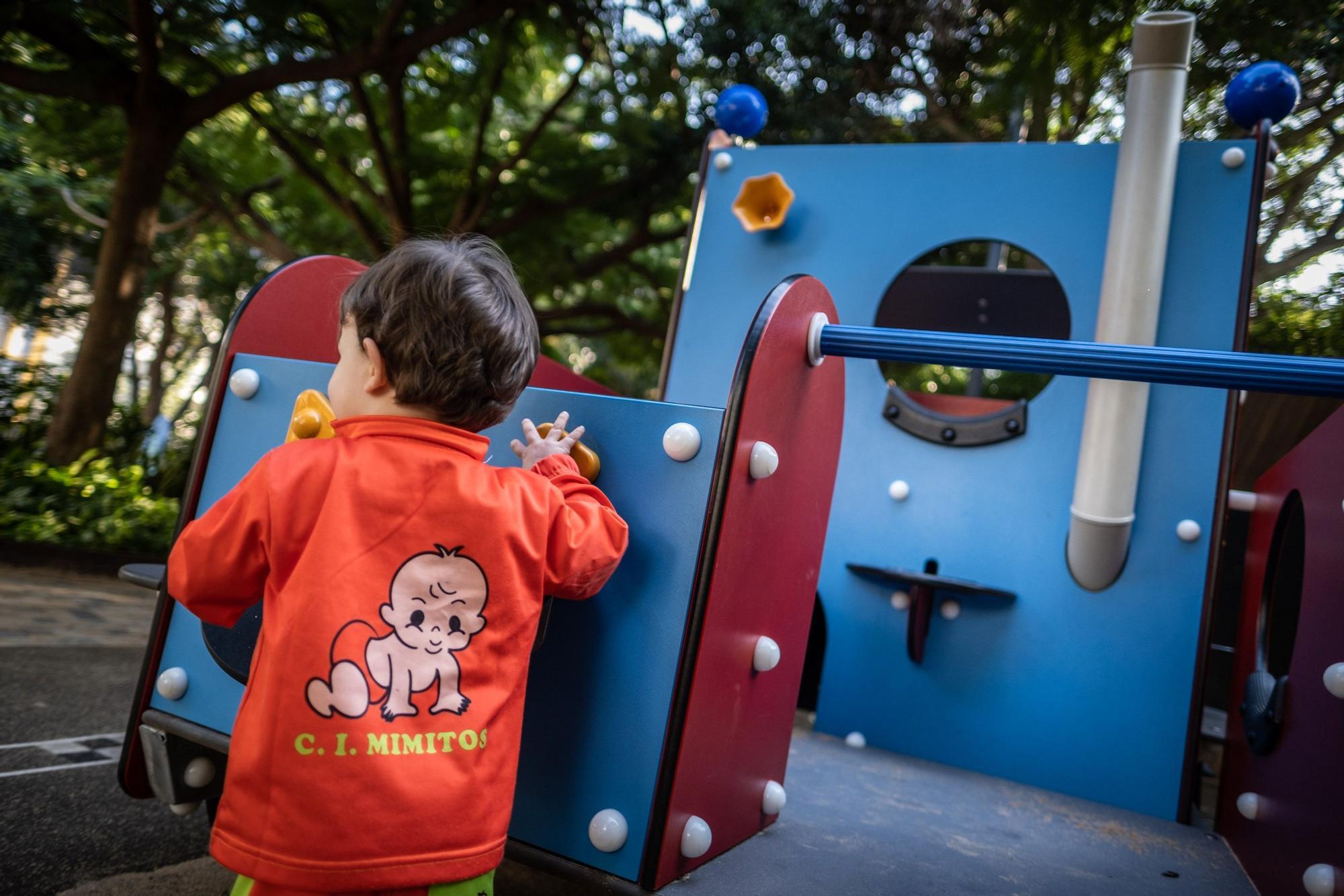 Apertura de los parques infantiles tras suavizarse las restricciones por la pandemia de la Covid-19