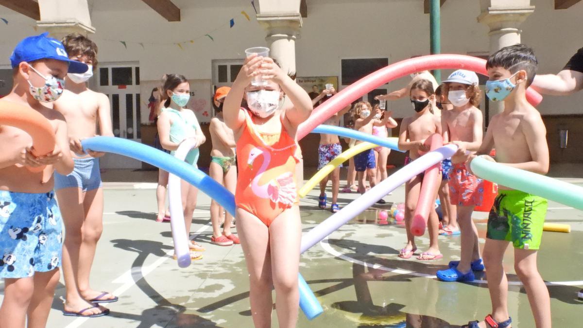 Niños y niñas en Ourense en las primeras actividades de verano.