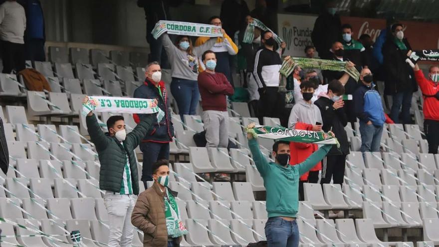 Los abonados del Córdoba CF inscritos pueden recoger sus entradas desde este jueves