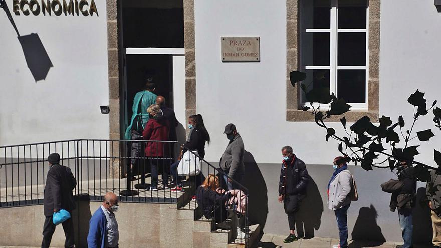 La crisis tras la pandemia: 25.000 hogares gallegos viven gracias a los cheques sociales