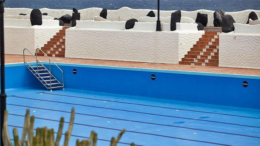 Nuevo SOS para salvar la piscina municipal de Los Silos