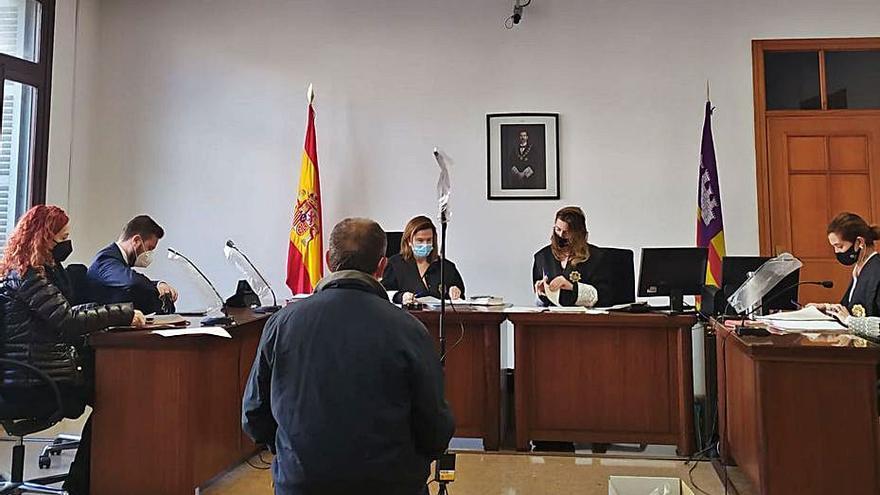 Dos años de cárcel por apalear  a un vecino suyo en Calvià