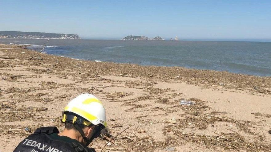 Neutralitzada una bengala de maniobres militars localitzada a la platja de Pals