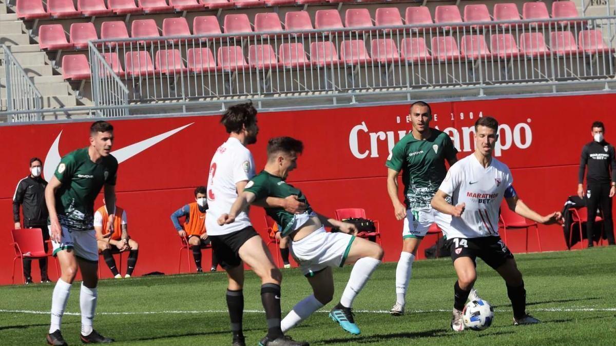 Un partido de sanción a Alberto del Moral por su expulsión en el Sevilla Atlético-Córdoba CF