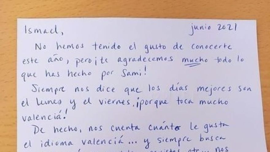 La emotiva carta de unos padres al profesor de valenciano de Elche de su hijo