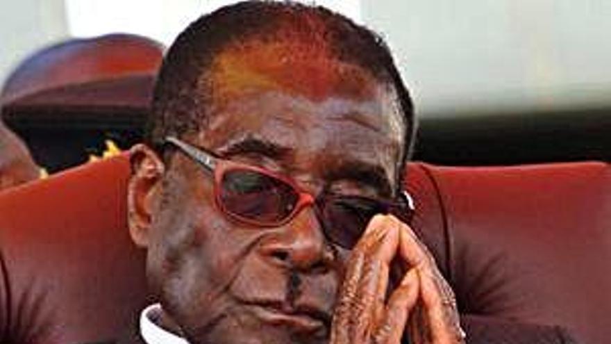 Fallece Mugabe, 37 años dictador de Zimbabue