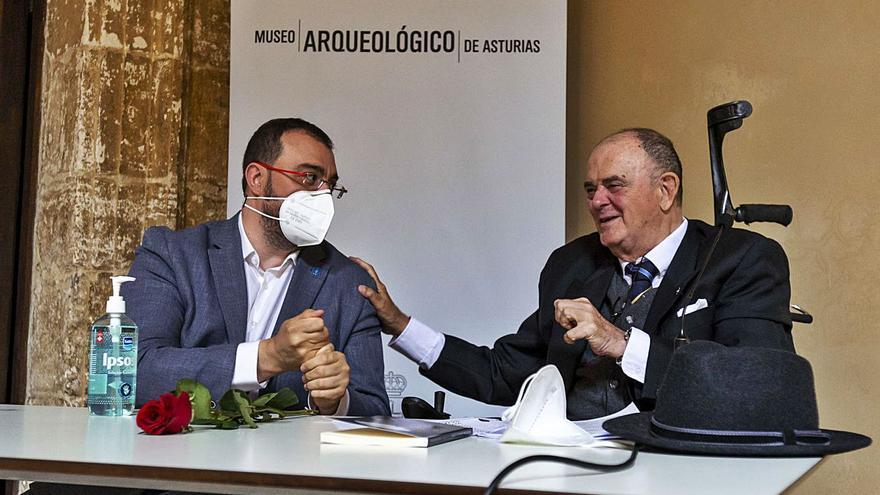"""Antonio Masip: """"El origen de Oviedo es una invención, pero una invención gloriosa"""""""