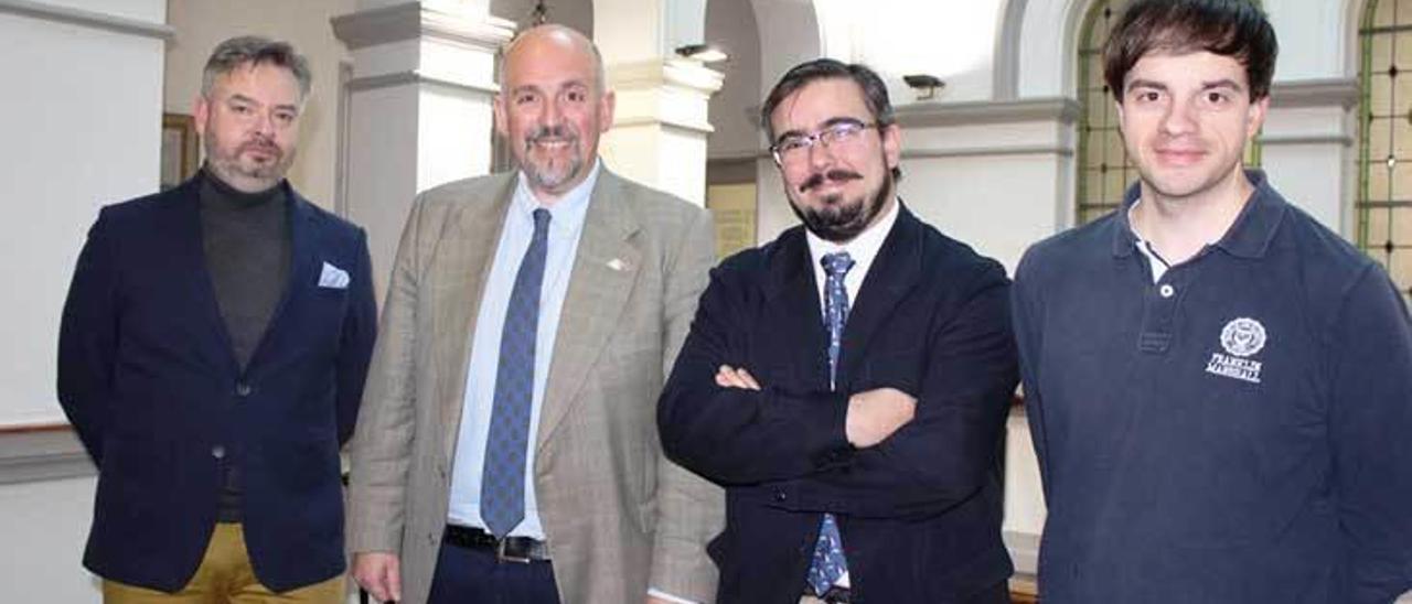 Por la izquierda, Juan Díaz, José Borge, Álvaro Solano y Juan Ponte, durante la presentación del aula, en una imagen de archivo.