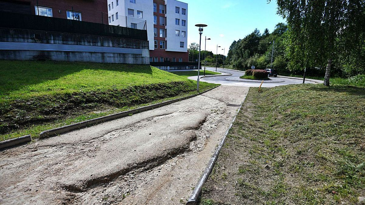 Quejas en Valdecorvos por la mala calidad de los nuevos senderos   G.S.