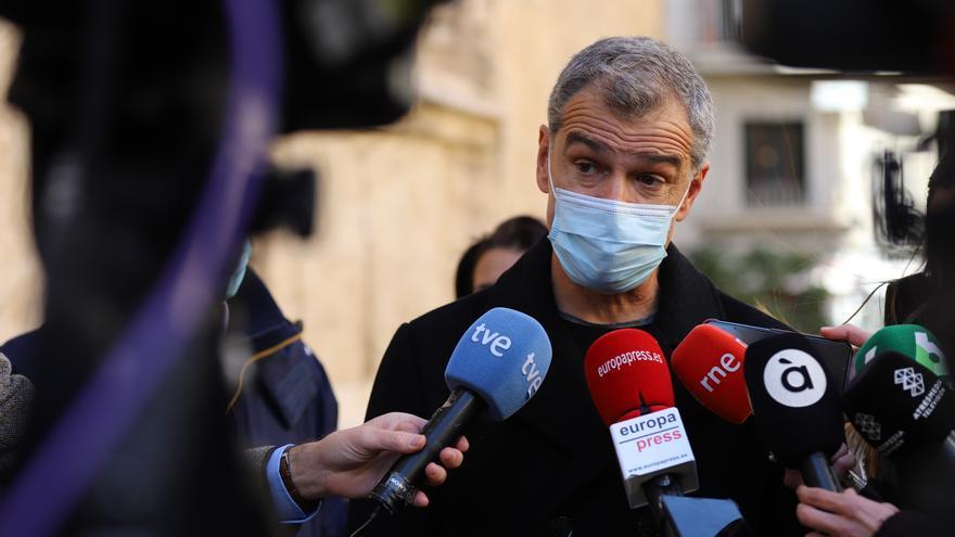 Cantó exige la destitución de los alcaldes que se colaron con las vacunas