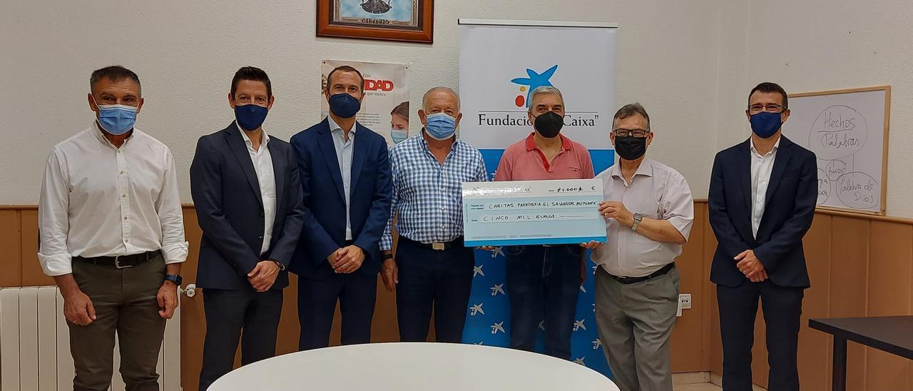 Entrega de 5.000 euros a Cáritas Mutxamel.