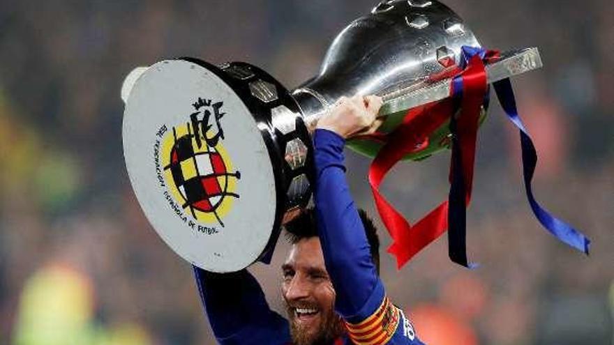 """La posible sanción al francés Mbappé acerca al barcelonista Leo Messi a la """"Bota de Oro"""""""