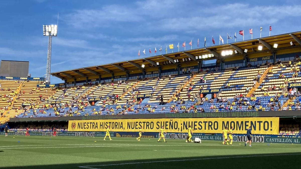El Villarreal ha recibido una sentida ovación en el regreso del público
