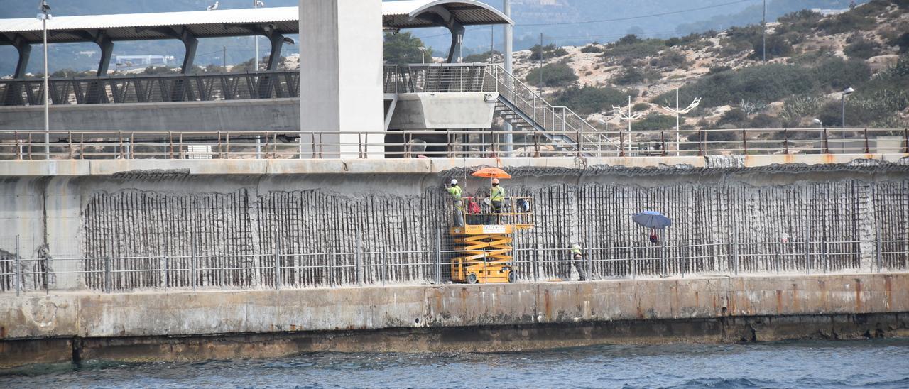 Reparación del dique de es Botafoc del puerto de Ibiza. César Navarro