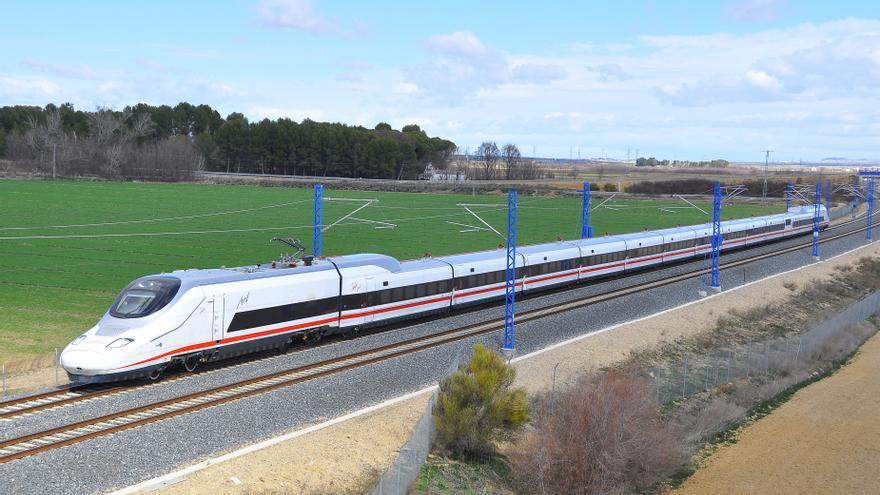 Los usuarios del AVE en Zamora creen que el tren puede ser eficaz contra la despoblación