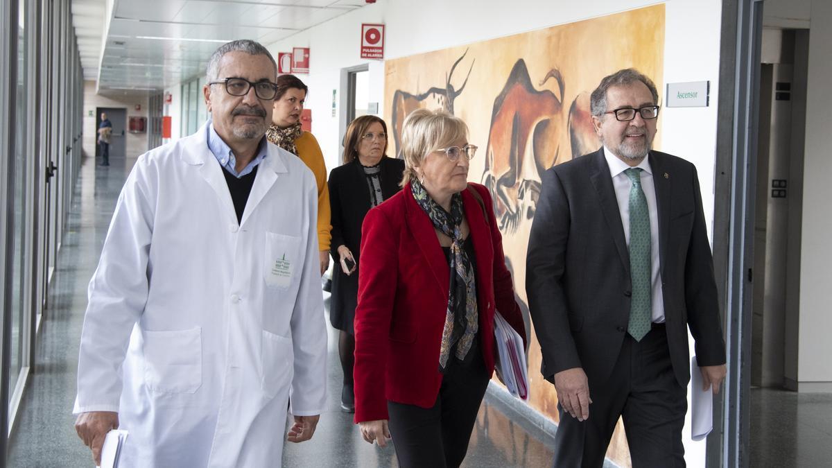 Martí y Barceló en una imagen de archivo de una visita anterior al Hospital Provincial