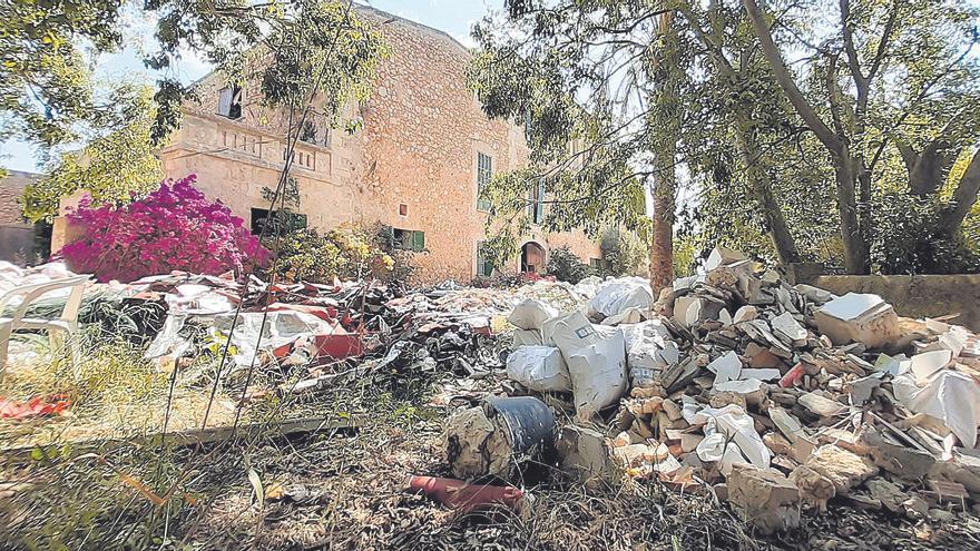 Ni Infraestructuras ni Medio Ambiente asumen la limpieza del vertedero ilegal