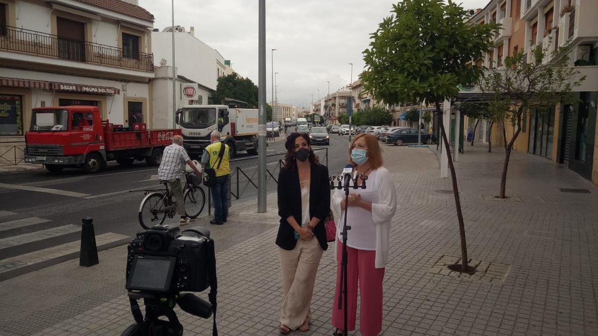 Ana Belén Corrdedera y Esperanza Caro de la Barrera, en la rueda de prensa.