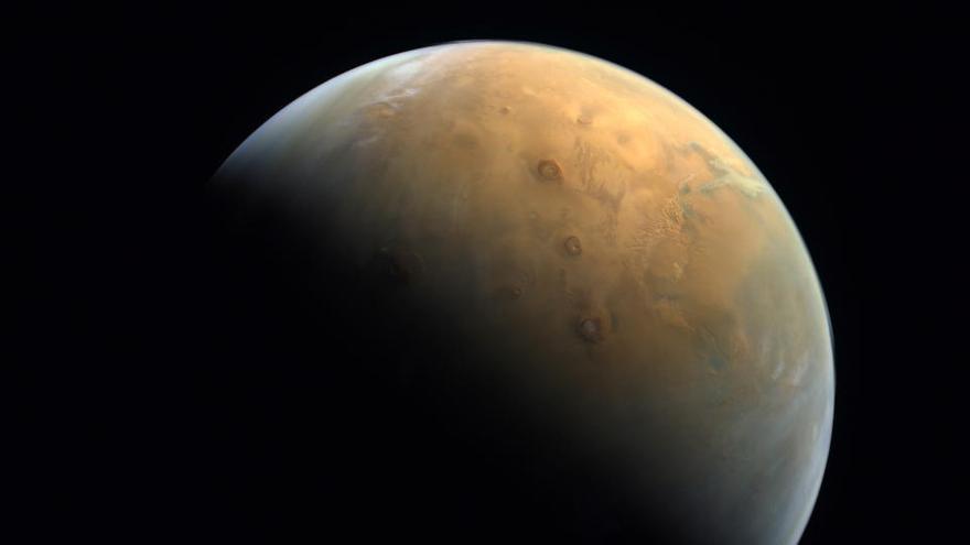 La sonda emiratí captura su primera imagen de Marte