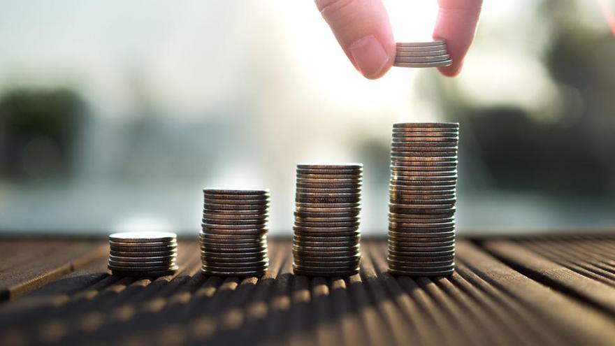 Deudas y compras compulsivas, problemas de los jóvenes con el dinero