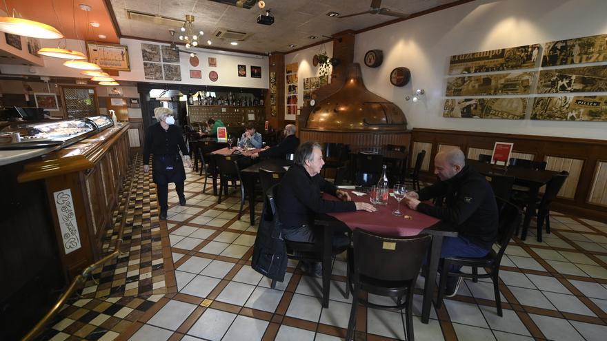 El pasaporte covid suscita un aluvión de dudas entre los hosteleros de Castellón