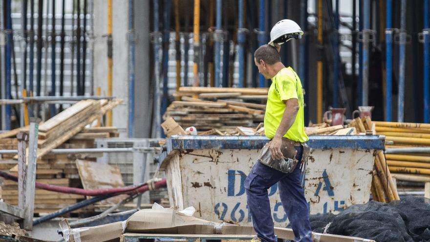 Fallece un trabajador al sufrir una caída en una obra en El Campello