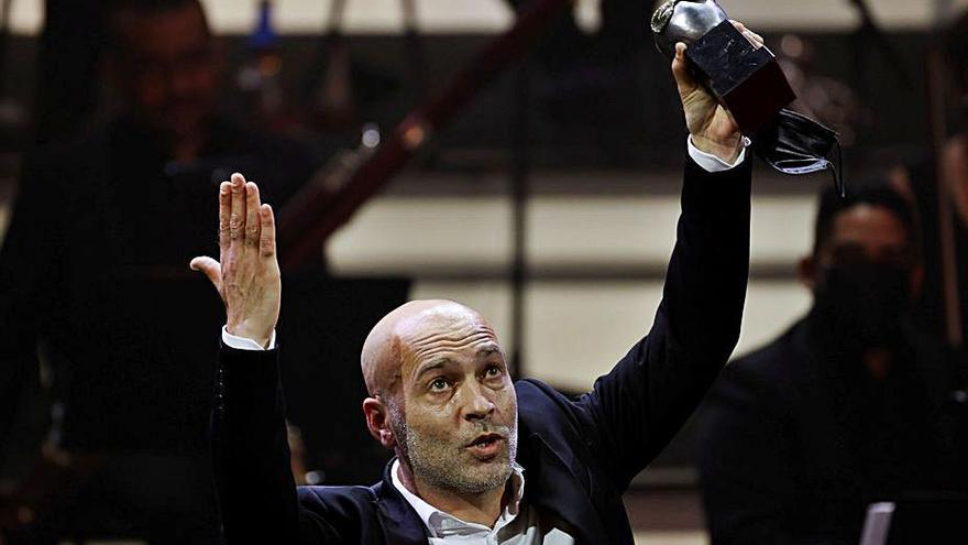 El gallego Iván Villar, premio Max al mejor intérprete de danza por 'Leira'