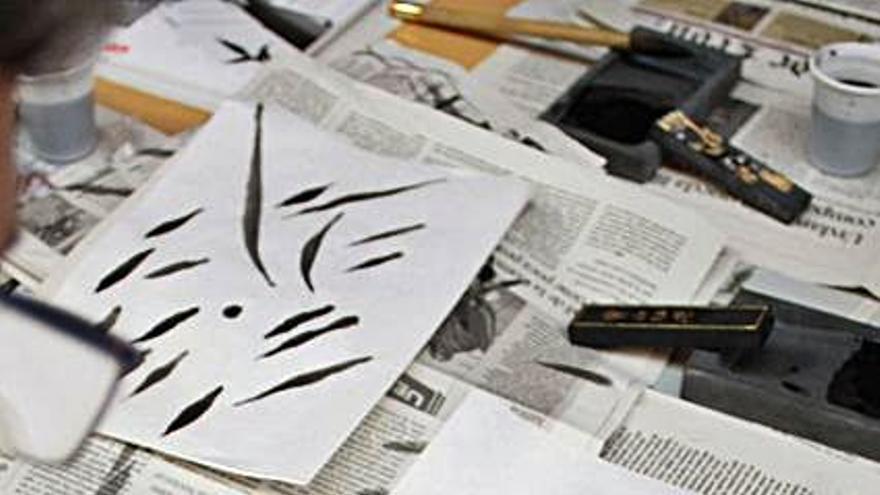 El Etnográfico acerca las nociones básicas de la caligrafía y escritura china