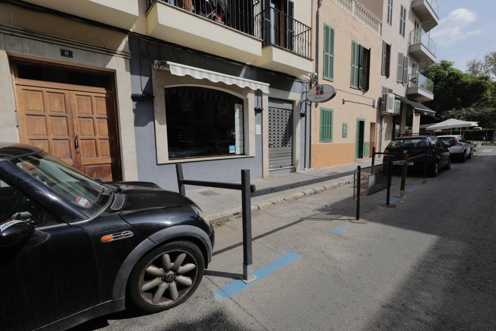 Comienzan a desmontar las terrazas en plazas de aparcamientos en Palma