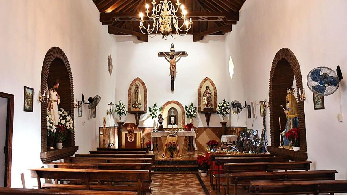 Interior de la Iglesia del Espíritu  Santo en Pujerra.