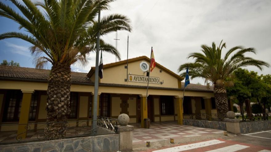 Zarza de Granadilla no merece el cierre perimetral, dice su alcalde