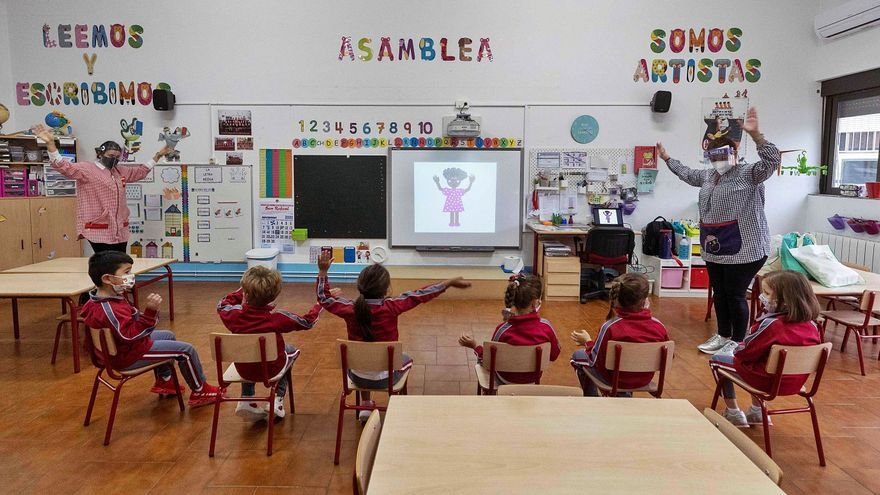 Objetivo: menos alumnos por aula