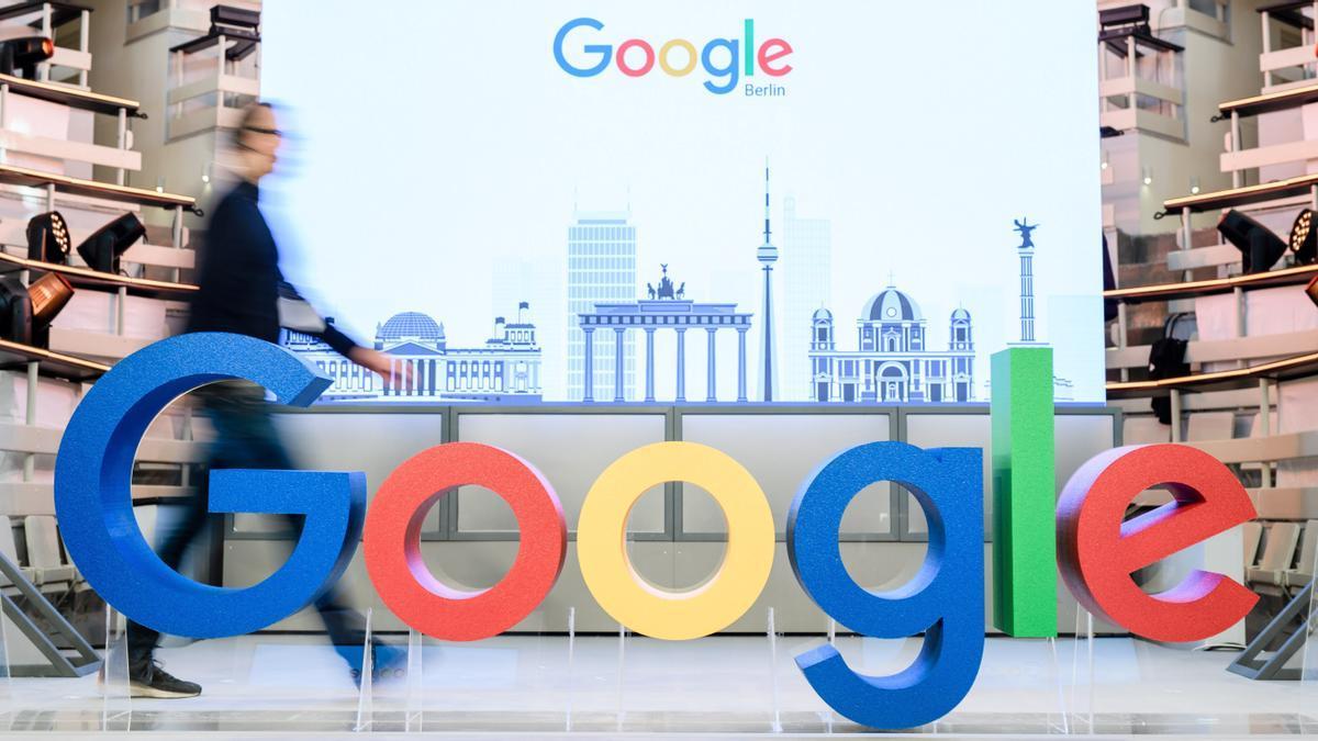 La CE investiga si Google violó normas de competencia en servicios publicitarios.