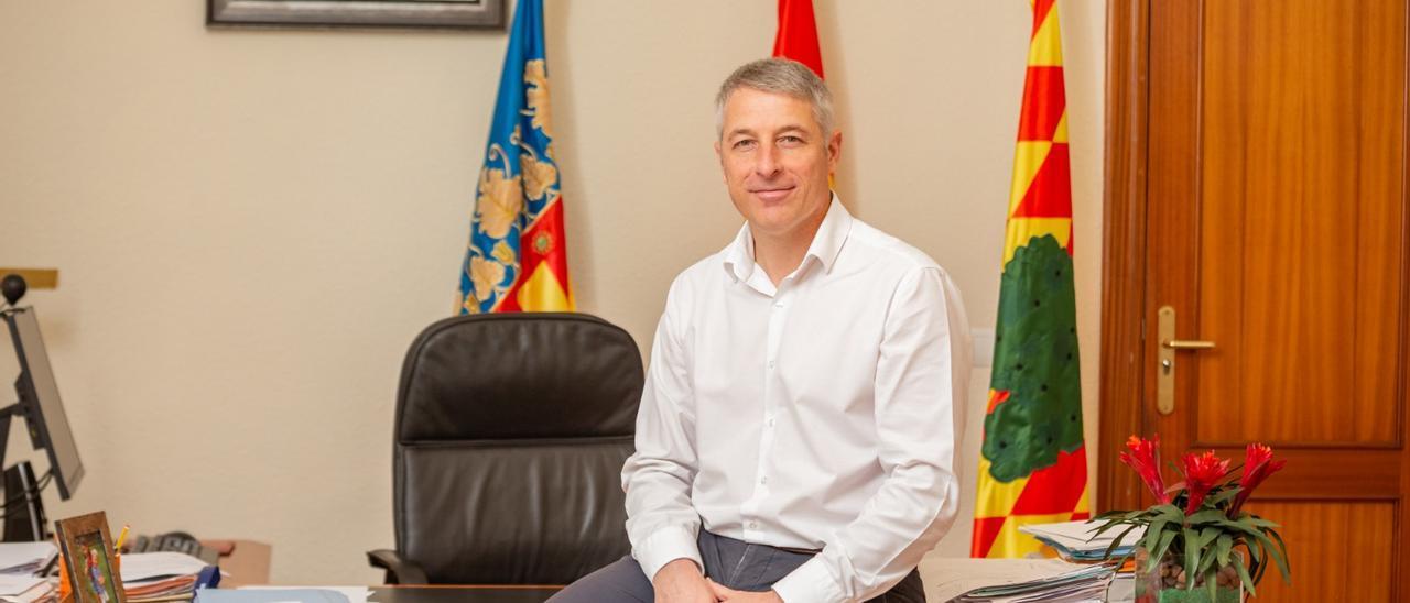 David González, alcalde de Oliva.