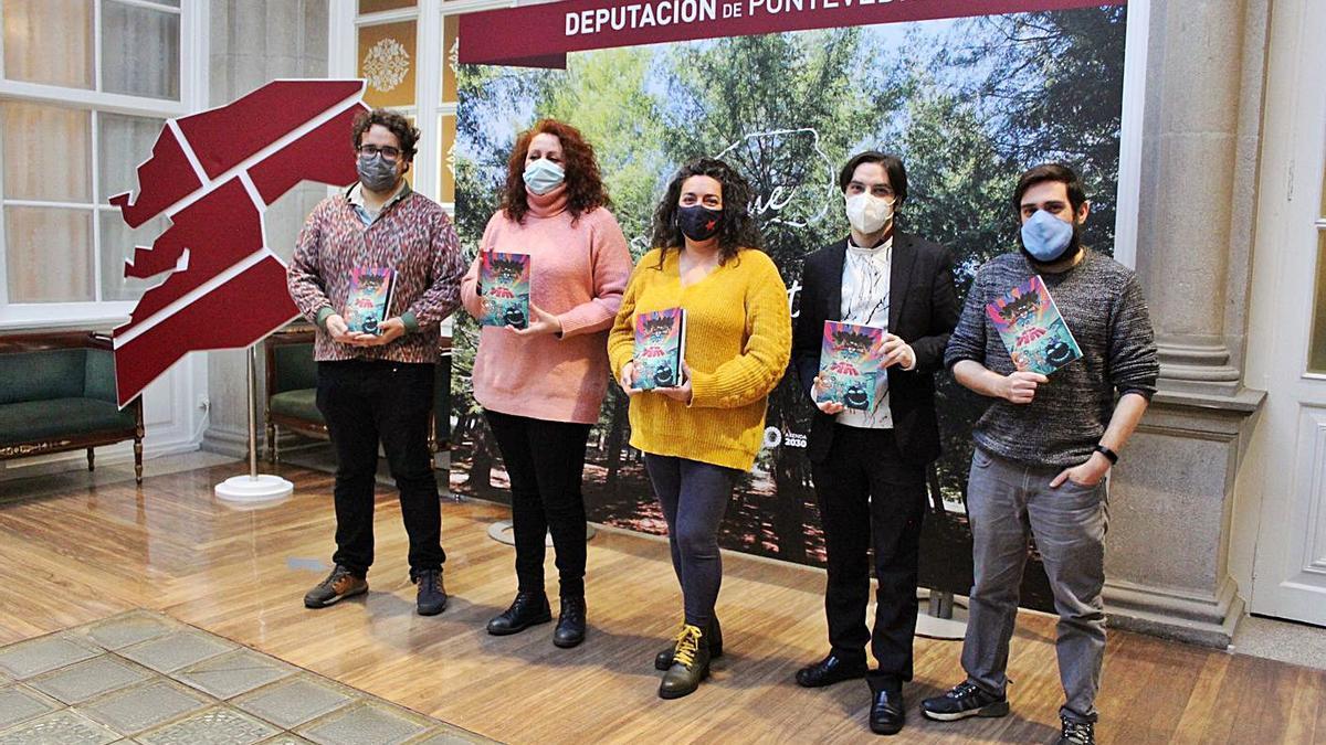 Presentación do libro no que transformou a edición cancelada deste ano do Armadiña. |   // DEPUTACIÓN