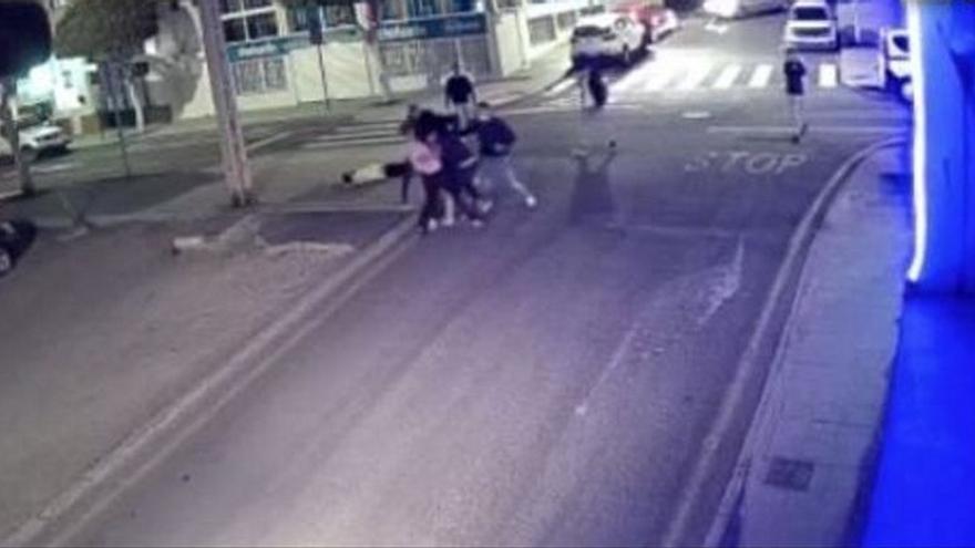 A prisión tres de los siete futbolistas detenidos por dar palizas y grabarlas en Canarias