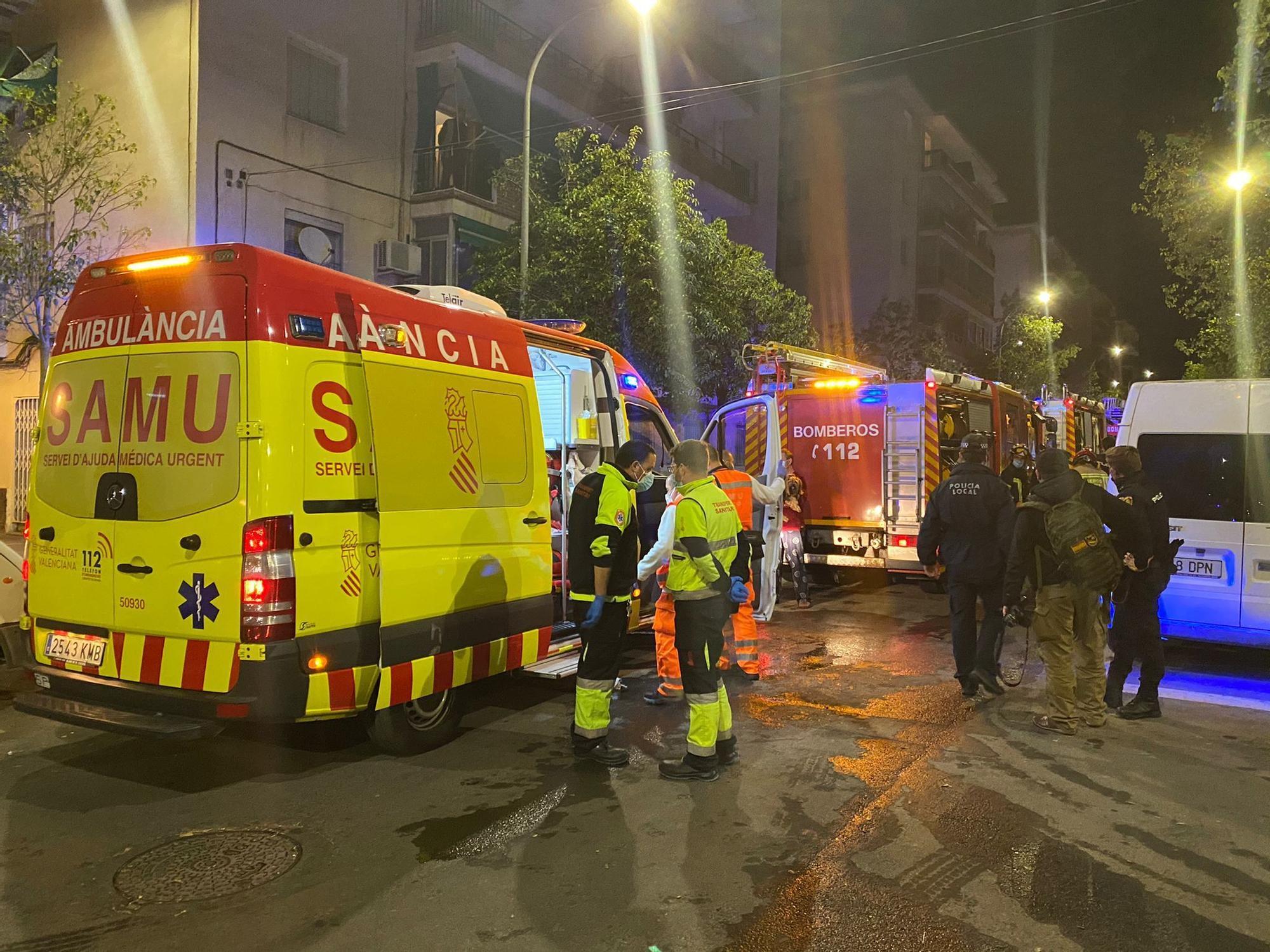 Once heridos en el incendio de una vivienda en la Zona Norte de Alicante