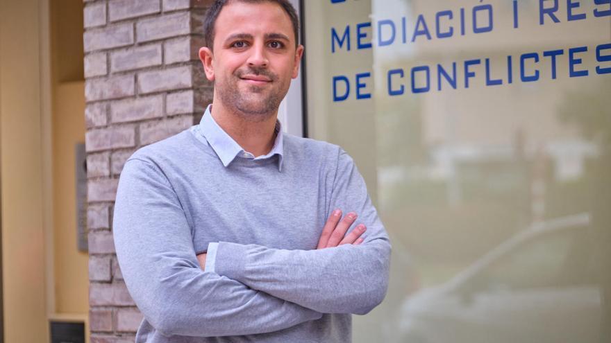 Miquel Fernàndez: «Aprop Gestions i Serveis ofereix formació a les comunitats per resoldre conflictes»
